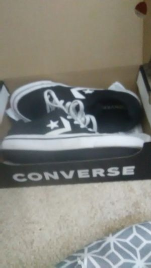 Converse men's size 8 an a half for Sale in Laveen Village, AZ