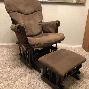 Gorgeous Brown Nursery Glider With Ottoman - Rocking Chair for Sale in Chandler, AZ