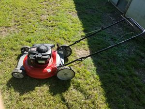 PUSH LAWN MOWER for Sale in Hutchins, TX
