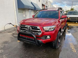 2017 Toyota Tacoma SR5 for Sale in Miami, FL