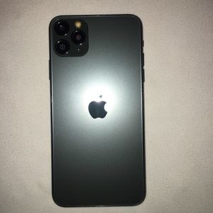 iPhone 11 Pro Max for Sale in Valley Center, CA