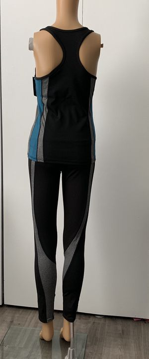 Women Active Wear 2 Piece Top And Bottom Set Fitness Gym for Sale in Huntington Beach, CA