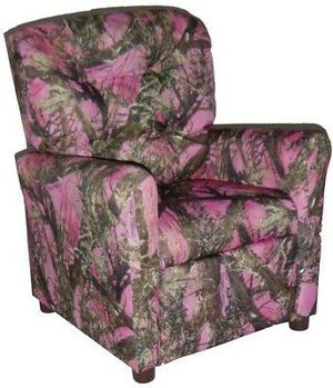 Little pink camo reclining chair for kids for Sale in Columbus, OH