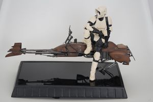 Star Wars Scout Trooper and Speeder Bike Statue. Gentle Giant for Sale in Scottsdale, AZ