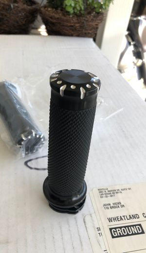 Harley Davidson 1 inch grips for Sale in Upland, CA