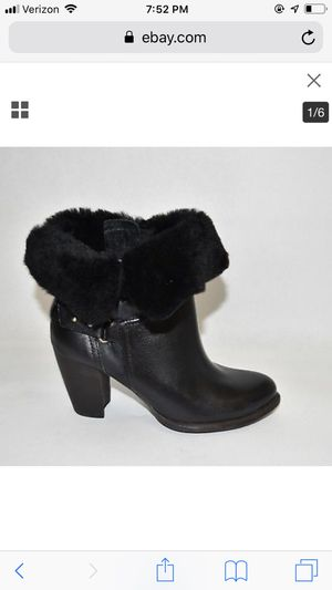 Ugg boots size 11 for Sale in Chicago, IL