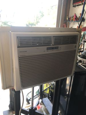 Frigidaire AC window unit for Sale in Knightdale, NC