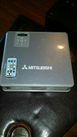 Mitsubishi Home LCD Projector XL5U for Sale in Washington, DC