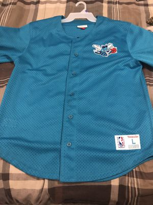 Mitchell and Ness Charlotte hornets Baseball style jersey! for Sale in Lawrenceville, GA