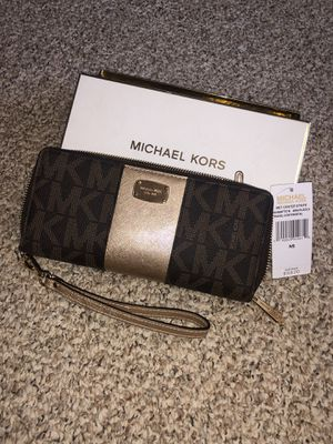 Michael Kors for Sale in Clinton, CT