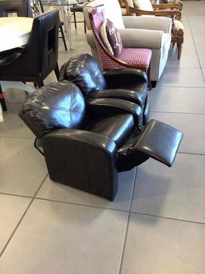 Children recliner chair for Sale in Hollywood, FL