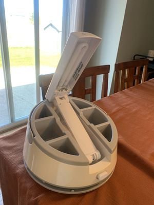 Outline Craft Caddy Desk Lamp for Sale in Marquette, MI