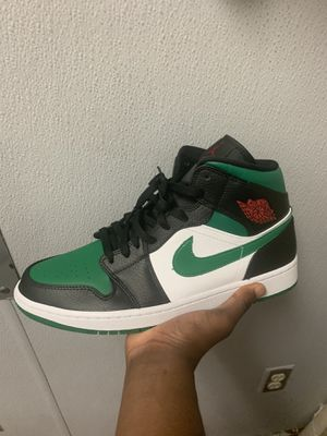 Jordan 1 mid pine green size 11 for Sale in Simpsonville, SC