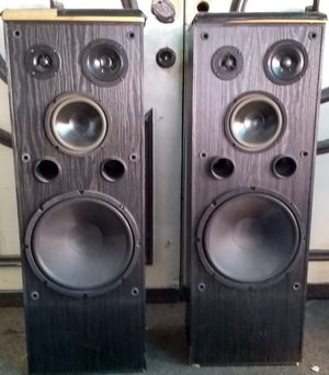 ONKYO SPEAKERS RETAIL AT MORE THAN (TWO HUNDRED DOLLARS) IN USED CONDITION for Sale in Las Vegas, NV