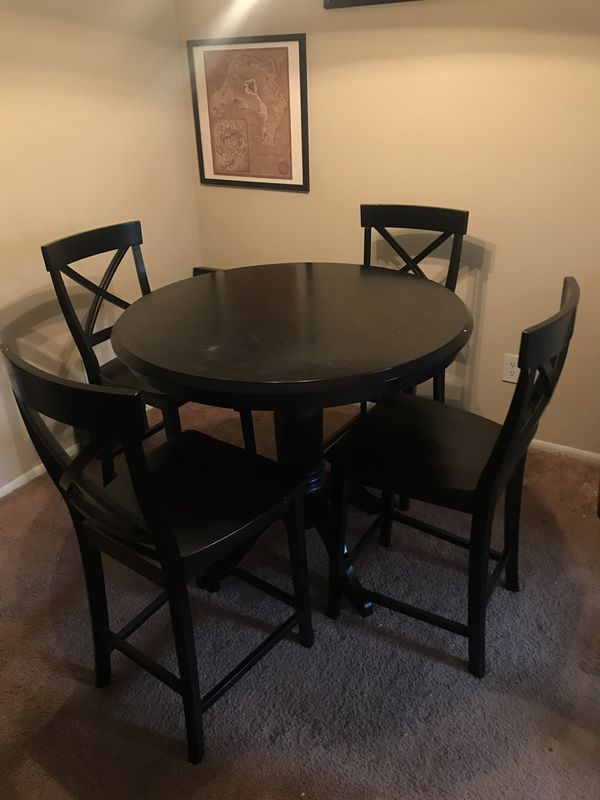 Four chair breakfast table