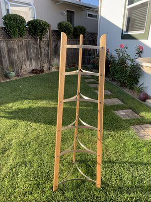 Maple and stainless steel corner rack for Sale in San Rafael, CA