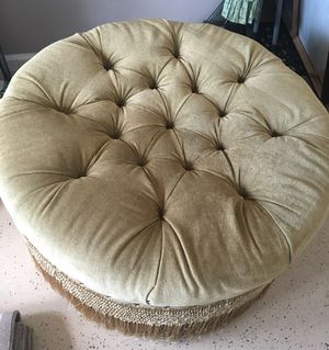 """Velvet Tan Ottoman-Beautiful Large Tufted 36"""" Dia. for Sale in Fort Lauderdale, FL"""