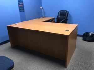 Office Furniture Set (Almost New) for Sale in Murrieta, CA