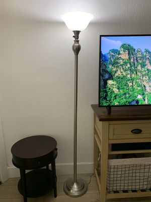 Floor lamp for Sale in Aliso Viejo, CA