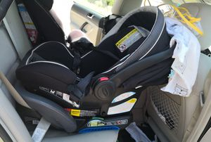 Graco car seat, base and carrier for Sale in Salt Lake City, UT