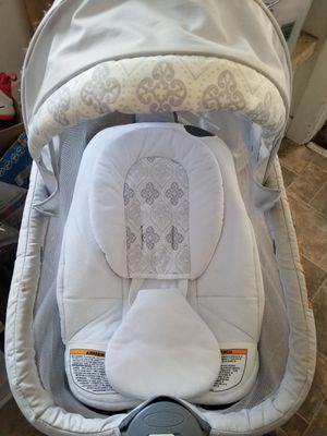 FREE BABY BASSINET for Sale in Los Angeles, CA
