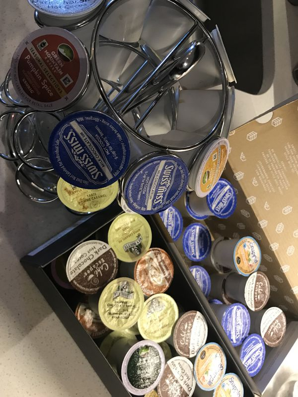 Keurig K60 Special Edition and Signature Brewers, Single-Cup Brewing 60 With stainless steel k-cups holder