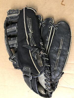 MacGregor BBMESHXX . Baseball Fielders Glove Left Hand Black for Sale in Glenarden, MD