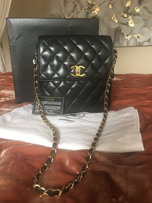 Chanel Lambskin Quilted Flap Bag-Authentic for Sale in Burien, WA