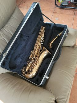 Evette Saxophone For Parts for Sale in St. Petersburg,  FL