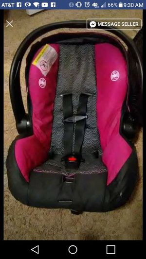 Evenflo car seat pink for Sale in Salt Lake City, UT