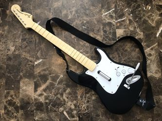 ROCK BAND FENDER STRATOCASTER 822151 PLAYSTATION PS3 PS2 Guitar Hero No dongle for Sale in Carpentersville,  IL