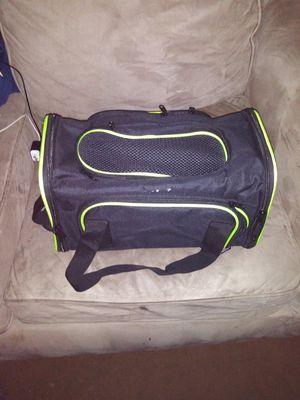 Small go carrying case for Sale in Atlanta, GA