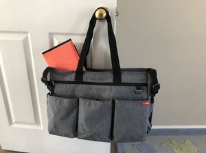 Skip Hop Duo Double Signature Diaper Bag - Heather Gray for Sale in Buford, GA