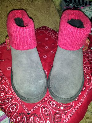 uggs size 6 for Sale in Reynoldsburg, OH