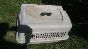 Bargain Hound 25 x 17 x 18 pet kennel for Sale in HUNTINGTN BCH, CA
