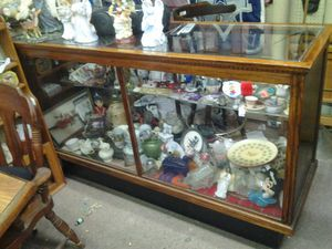 wooden antique showcases, great condition for Sale in Dallas, TX
