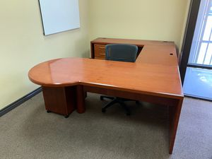 3 piece desk for office with 2 filing cabinet and chair for Sale in Anaheim, CA