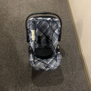 Eddie Bauer Car Seat, bases and strollers for Sale in Houston, TX