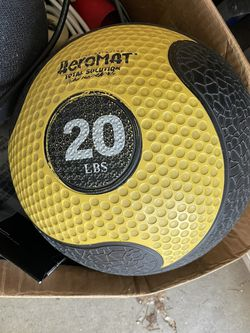 Aeromat 20 Ib Medicine Ball for Sale in Hillsboro,  OR