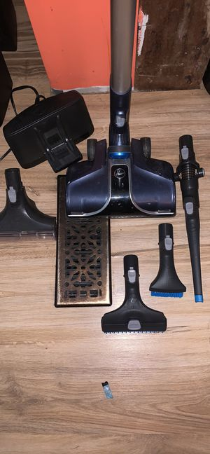 Hoover cordless vacuum for Sale in North Royalton, OH