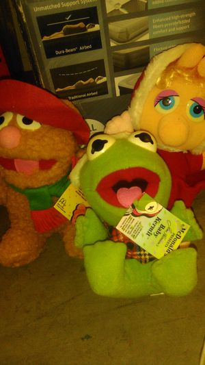 McDonald's collectible toys The Muppets Christmas plush dolls for Sale in Buena Park, CA
