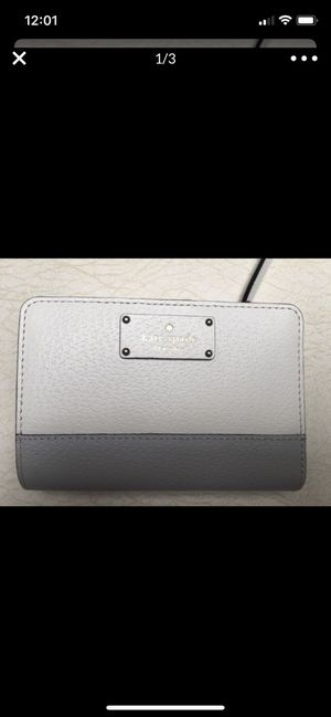 Kate Spade New York Bay Street Tellie Small Leather Bifold Gray Wallet for Sale in Phoenix, AZ