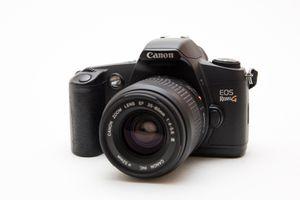 Canon EOS Rebel G 35mm SLR Film Camera + Lens! for Sale in Chula Vista, CA