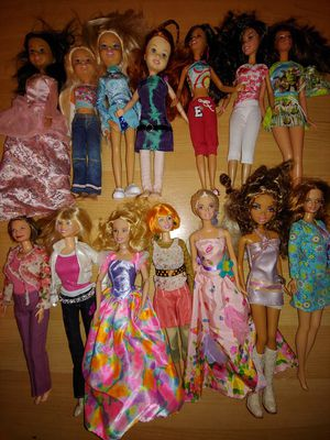 Barbie Lot of 21 Dolls and clothes for Sale in Fort Lauderdale, FL