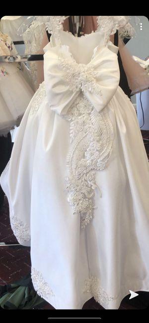 Flower girl dress size 4 years for Sale in El Cajon, CA