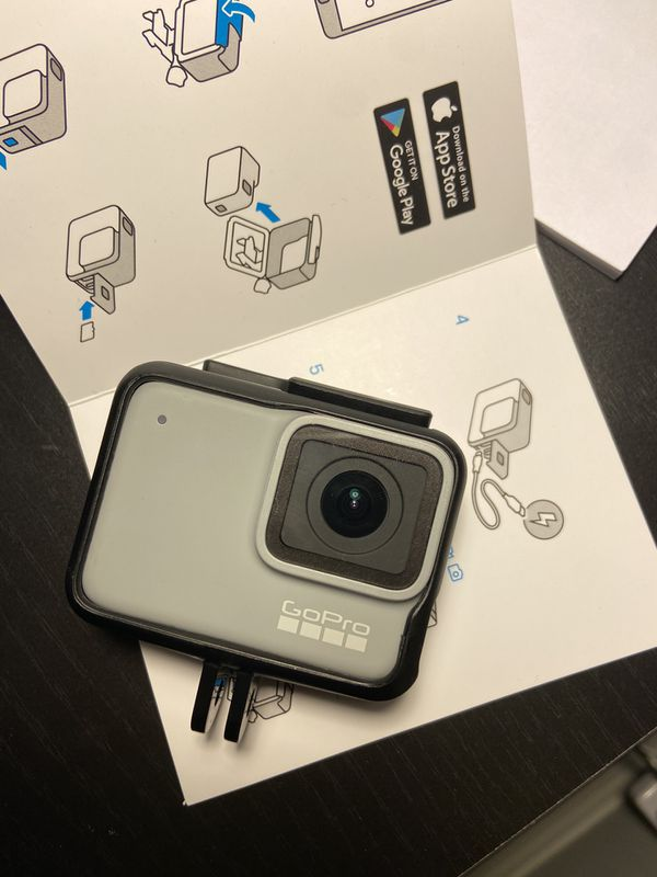 (NEVER USED) GoPro Hero 7 White Waterproof Action camera With accessories. (1080p)