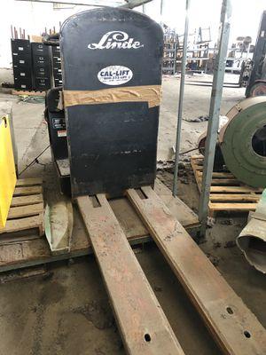 Linde Electrical forklift for Sale in Fresno, CA