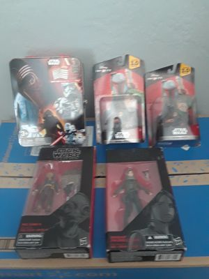 Star wars bundle, 2 disney infinity boba fetts, 2 sw the black series maz kanata and jyn erso, and a storage tin. for Sale in El Paso, TX