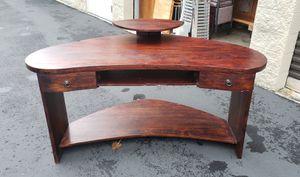 Brown corner desk for Sale in Renton, WA