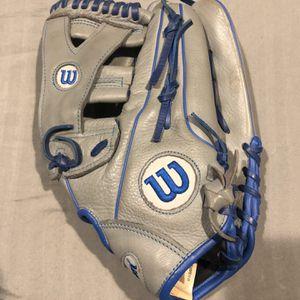 Easton Aluminum Baseball Bat And Wilson Baseball Glove For Sale!!! for Sale in Stafford, TX